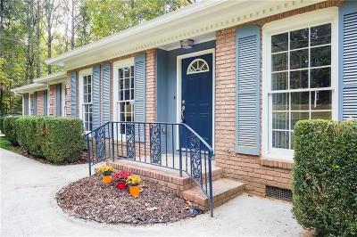Snellville Single Family Home For Sale: 2075 Oak Road