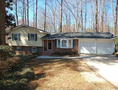 Smyrna Single Family Home Contingent-Due Diligence: 3216 Foxwood Trail SE
