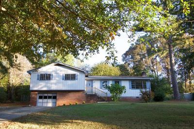 Woodstock Single Family Home For Sale: 509 Hemlock Drive