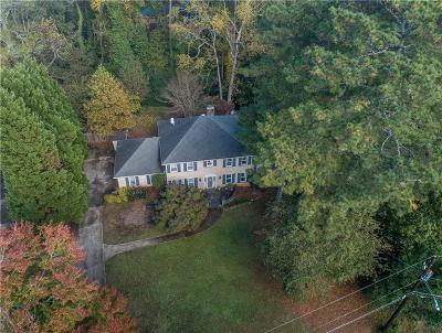 Stone Mountain Single Family Home For Sale: 2207 Forestglade Drive