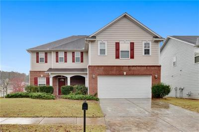 Buford Single Family Home For Sale: 6120 Sparkling Cove Lane