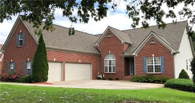 Forsyth County Single Family Home For Sale: 8720 Amberfield Drive