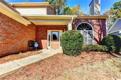 Johns Creek Single Family Home For Sale: 235 Tanners Court