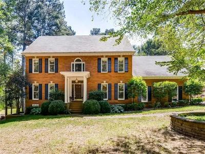 Roswell Single Family Home For Sale: 1300 Cold Harbor Drive