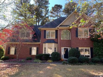 Suwanee Single Family Home For Sale: 3220 Maple Terrace Drive