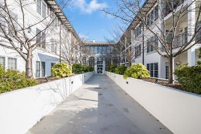 Condo/Townhouse For Sale: 3101 Howell Mill Road NW #127