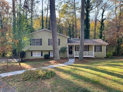 Kennesaw Single Family Home For Sale: 1138 Kettle Court NW