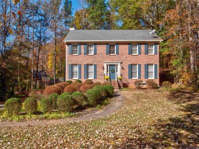 Roswell  Single Family Home For Sale: 655 Wood Valley Trace