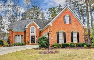 Roswell Single Family Home For Sale: 2585 Club Springs Drive