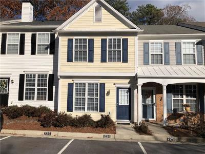 Alpharetta GA Condo/Townhouse For Sale: $198,000
