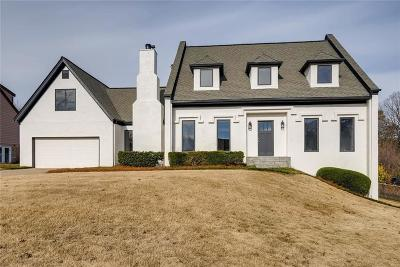 Roswell Single Family Home For Sale: 1645 Oakfield Lane