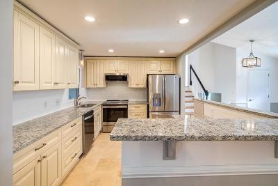 Marietta Single Family Home For Sale: 392 Lamplighter Lane SE