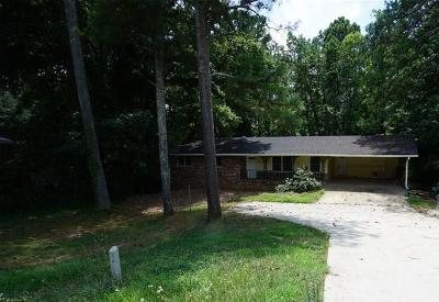 Lilburn Single Family Home For Sale: 695 Rockbridge Road NW