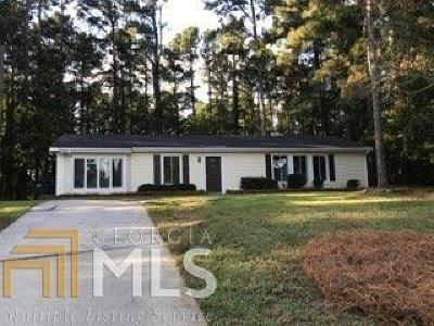 Lawrenceville Single Family Home For Sale: 924 Whitehall Drive