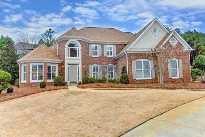 Roswell Single Family Home For Sale: 605 Abbeywood Drive