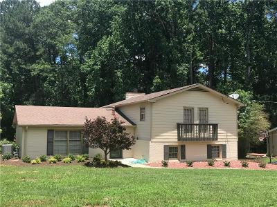 Lilburn Single Family Home For Sale: 4607 Town Crier Road