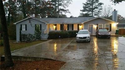 Lilburn Single Family Home For Sale: 407 Killian Hill Road SW