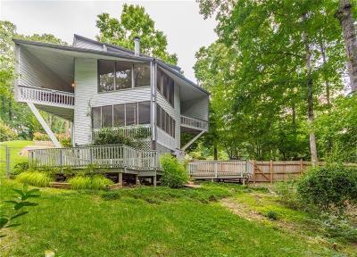 Smyrna Single Family Home For Sale: 1208 Laurel Cliff Drive SE