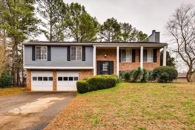 Roswell Single Family Home Contingent-Due Diligence: 385 Liberty Trace