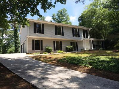 Marietta Single Family Home For Sale: 3681 Autumn Leaves Lane