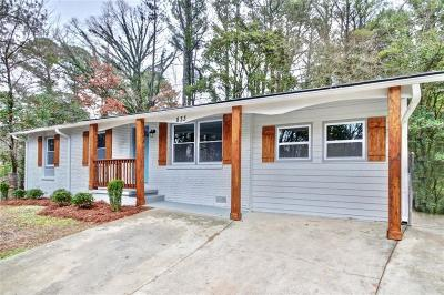 Single Family Home For Sale: 833 Harwell Drive NW