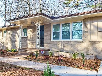 Decatur Single Family Home For Sale: 1403 Peachcrest Road