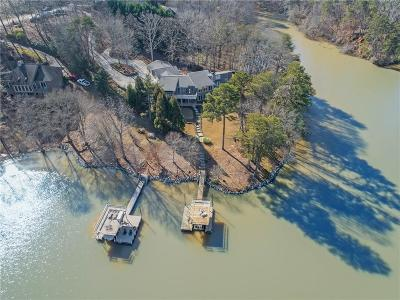 Hall County Single Family Home For Sale: 2070 Riverwood Drive