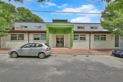 Condo/Townhouse For Sale: 172 Carroll Street SE #101