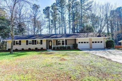 Lilburn Single Family Home For Sale: 892 Pinecrest Circle SW