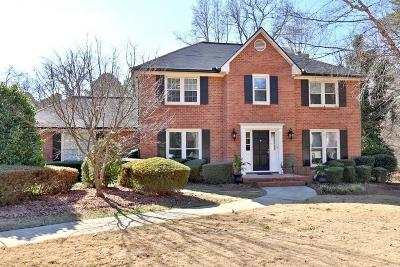 Roswell Single Family Home For Sale: 105 Major Court