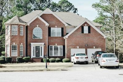 Lithonia Single Family Home For Sale: 7660 Sugar Plum Lane