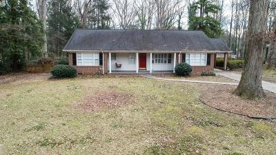 Sandy Springs Single Family Home For Sale: 444 Hilderbrand Drive