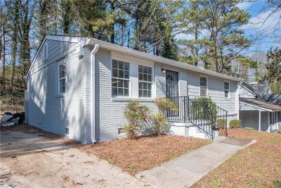 Atlanta Single Family Home For Sale: 832 Bolton Road NW