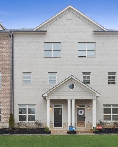 Smyrna Condo/Townhouse For Sale: 1208 Stone Castle Circle #3