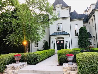 Alpharetta Single Family Home For Sale: 1111 Castle At Cromwell Ct Lane