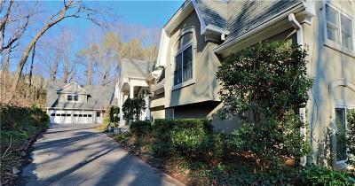 Sandy Springs Single Family Home For Sale: 245 Glen Lake Drive