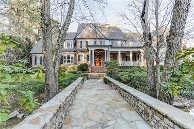 Atlanta Single Family Home For Sale: 2450 Spalding Drive