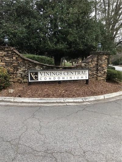 Smyrna Condo/Townhouse For Sale: 2683 Vinings Central Drive SE #2683