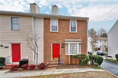 Roswell Condo/Townhouse For Sale: 148 Holcomb Ferry Road