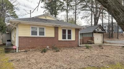 Brookhaven Single Family Home For Sale: 2575 Skyland Drive NE