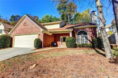 Alpharetta Single Family Home For Sale: 235 Tanners Court