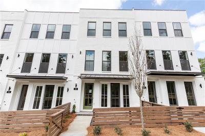 Woodstock Condo/Townhouse For Sale: 312 Liberty Way #44