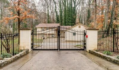 Alpharetta Single Family Home For Sale: 227 Pinetree Circle
