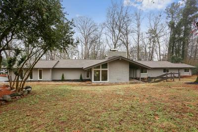 Sandy Springs Single Family Home For Sale: 825 Spalding Drive
