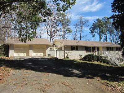Lilburn Single Family Home For Sale: 318 Jennifer Lane