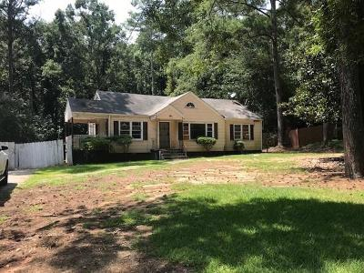 Single Family Home For Sale: 3844 Old Gordon Road NW
