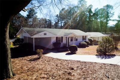 Marietta Single Family Home For Sale: 683 Stewart Circle NW