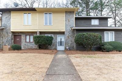 Smyrna Condo/Townhouse For Sale: 1692 Wynndowne Trail SE