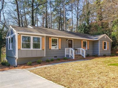 Smyrna Single Family Home For Sale: 1360 Twin Oaks Circle SE