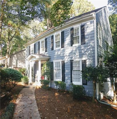 Roswell Single Family Home For Sale: 296 Laurel Lane